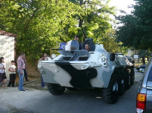 Во время спецоперации по уничтожению банды в Одессу даже пригнали бронетранспортер. Фото из архива