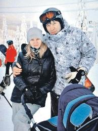 Андрей, Анна и Настя (в коляске) Голота.
