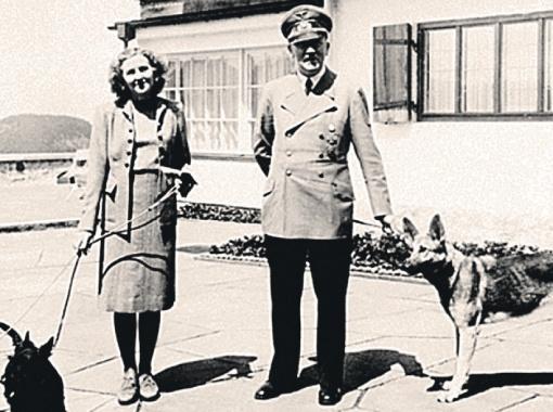 В военные годы Адольф и Ева любили отдыхать с любимыми собаками в резиденции фюрера