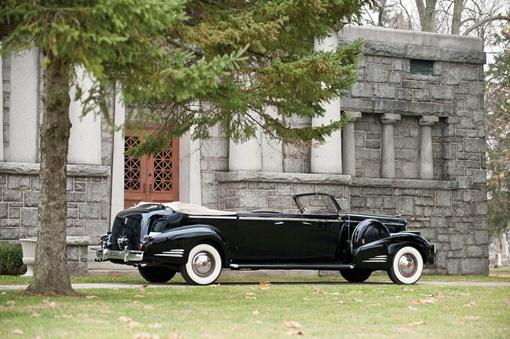 Изначально 1938 Cadillac V16 был 6,55 метров в длину и массой 3,470 кг