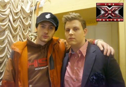 Руслан (справа) болел за Олега с самого начала шоу