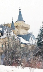 Максима Галкина из-за дворца в шутку называют князь из Грязи.