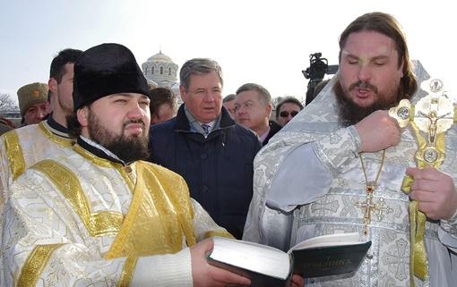 Губернатор решил не нарушать традиций