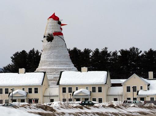 Олимпия - самая большая снежная баба в мире - ростом с 10-этажный дом!