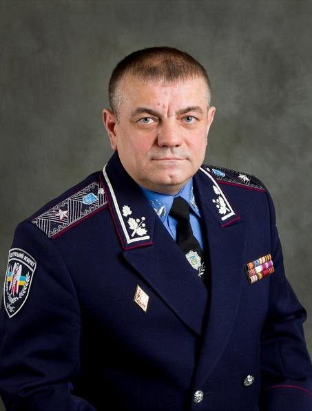 Работать в интернете Владимиру Сербе помогут его подчиненные