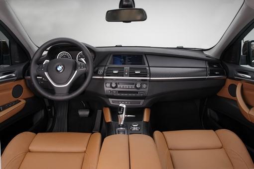 Авто развивает максимальную скорость 250 км/час