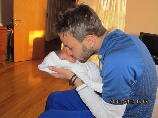 Говорят, когда у мужчины рождается сын, он становится отцом, а когда дочка – папулей.