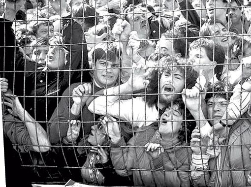 Жуткая давка на английском стадионе