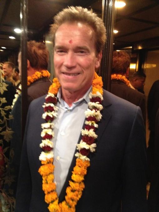 Шварценеггер написал, что посещает Индию впервые в жизни и очень доволен оказанным ему приемом. Фото Твиттер