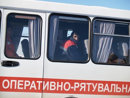 Моряков отвезли в Симферополь. Фото: пресс-служба крымского главка МЧС