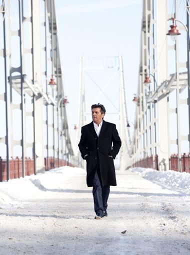 Ради Томаса Андерса километровый Пешеходный мост был вычищен до глянца.
