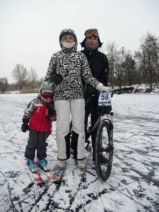 Татьяна, Вадим и Саша Грушко - спортивная семейка. Фото автора.