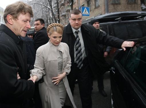 Роман Забзалюк (слева) был особенно близок к Юлии Тимошенко, ведь долгое время отвечал за ее безопасность.
