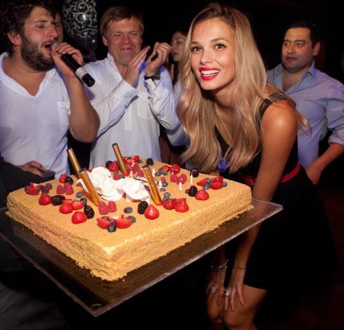 Какое бы еще желание загадать на День рождения? Фото: из личного архива Екатерины Доманьковой.