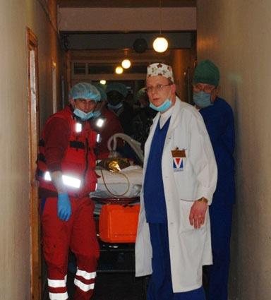Впереди Андрея ждет множество операций и месяцы реанимации в ожоговом центре в США. Фото автора и пресс-центра ГУ МЧС во Львовской области.