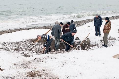 Крымчане ищут золото. Фото: