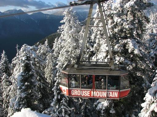 А также в канадском Ванкувере (вернее, над ним) - к вершине горы Граус-Маунтин…