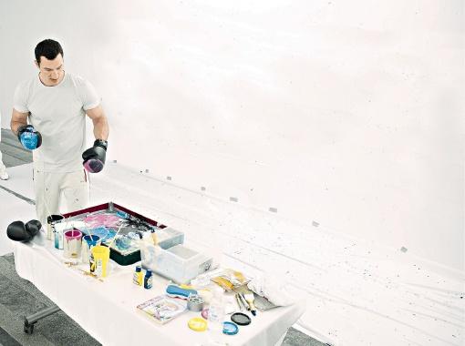 Володя занялся живописью. Фото пресс-службы Фонда братьев Кличко.