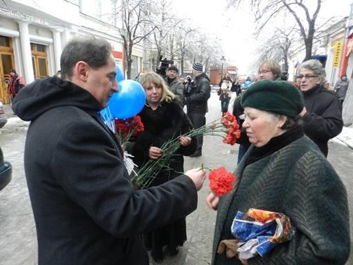Депутат Симферопольского горсовета Борис Фротман не дал женщине денег, но обещал помочь с лечением