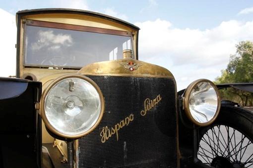 Под капотом ретро-автомобиля - 3,6-литровый четырехцилиндровый рядный двигатель мощностью 64 л. с