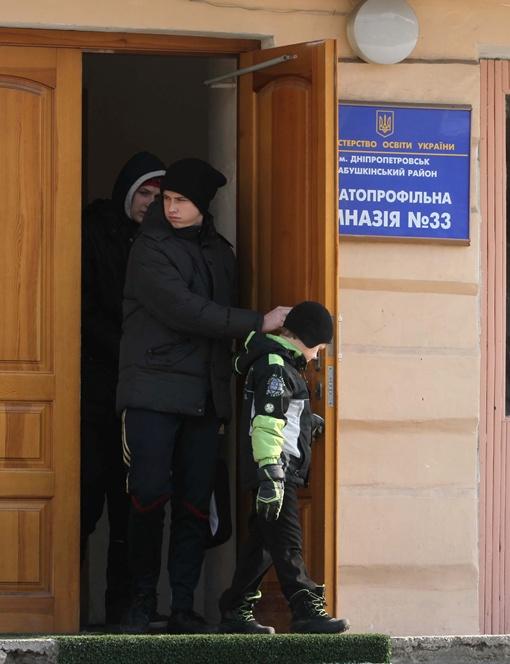 - Сегодня я за Сидорова отметился, завтра - он за меня...Фото Павла ДАЦКОВСКОГО.