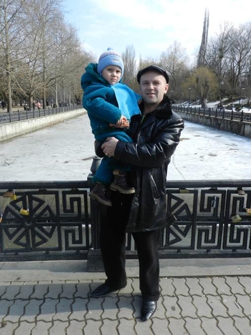 36-летний Игорь мечтает о собственном бизнесе и стабильности в семье