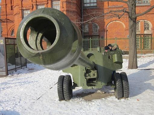 Техника, превратившаяся в памятники, в свое время палила по людям. Фото автору с официального сайта Харьковского горсовета.