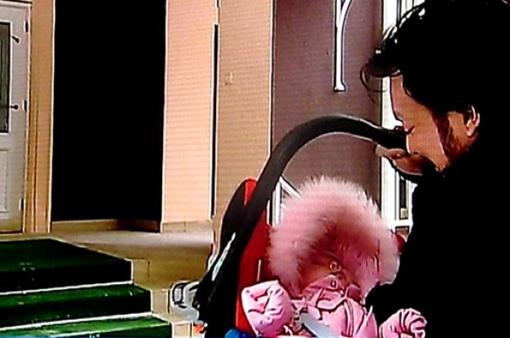 Киркоров привез дочь в Россию. Кадр видео Первого канала.