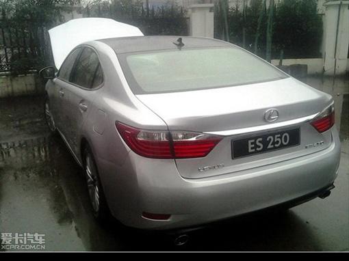 Lexus готовит замену седану ES