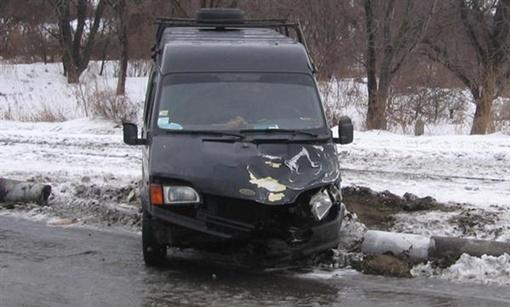 Чужой машине сильно досталось. Фото: sobitie.com.ua