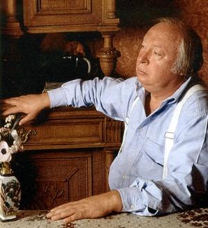 В конце жизни Ободзинский выглядел непривычно - полный мужчина с умудренным взглядом. Ободзинский перестал быть похожим на кумира миллионов советских женщин
