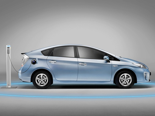Машину можно эксплуатировать для небольших поездок по городу и вовсе без бензина. Фото Toyota