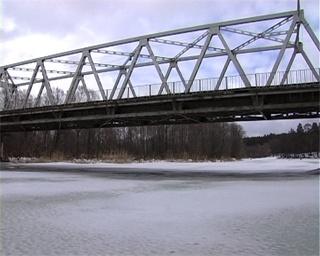Мост через Ворсклу очень высокий. Фото УГАИ в Сумской области