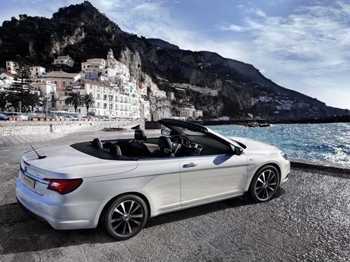 Кабриолет получит 2,4-литровый четырехцилиндровый мотор, развивающий 175 лошадиных сил, фото Lancia