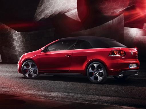 В стандартное оснащение кабриолета входят 17-дюймовые колесные диски особо дизайна Monza. ФОТО Volkswagen