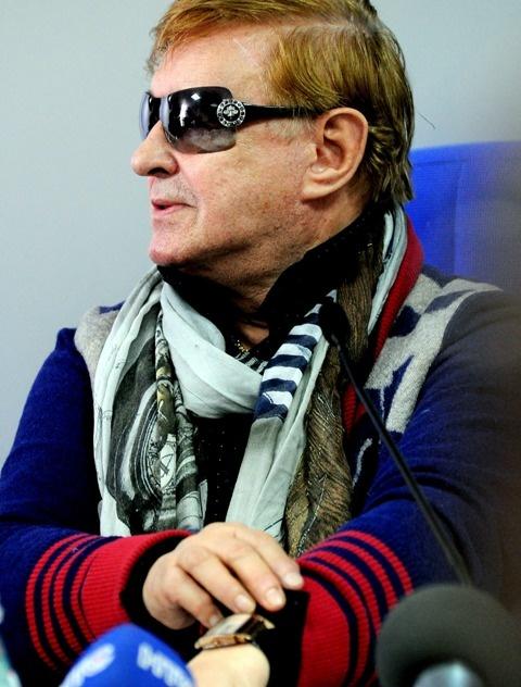 Дорогие часы Виктюку подарил экс-президент Украины Виктор Ющенко. Фото Виталия ПАРУБОВА.
