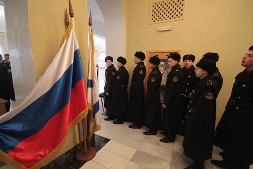 Моряки ждут своей очереди. Фото Андрея Крылова