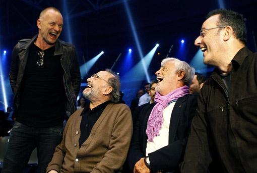 Британский певец Стинг, французские актеры Клод Брассер, Жан-Поль Бельмондо и Жан Рено повеселились от души.