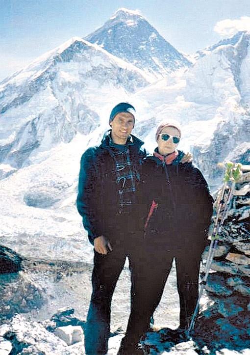 Родители погибшей девушки Владимир и Елена Хитриковы были высококлассными альпинистами.
