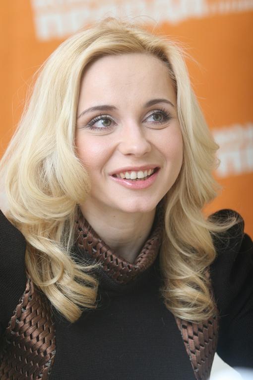 Подпись: Лилия счастлива в браке. Фото Антона ЛУЩИКА.