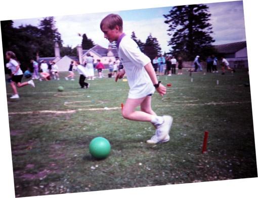 В детстве наш герой был активным ребенком.