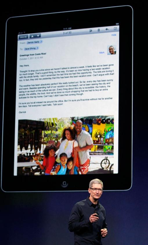 Презентацию вел Тим Кук - преемник Стива Джобса. Фото: REUTERS