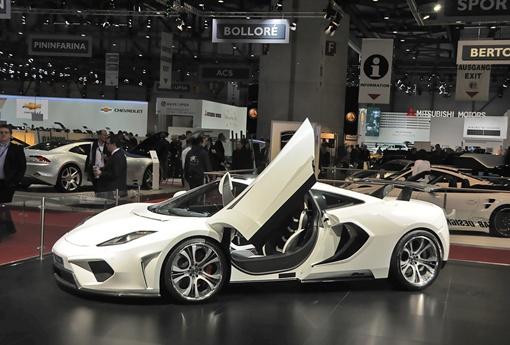 Новый аэродинамический обвес сделал суперкар шире. ФОТО FAB Design