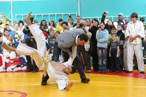 Боксер праздновал победу. Фото пресс-службы Кличко.