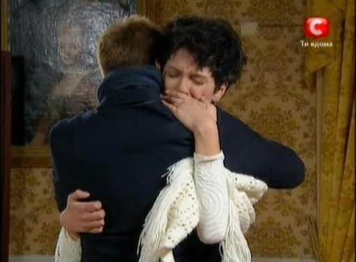 На холостяка подействовали женские слезы. Кадр из телешоу.