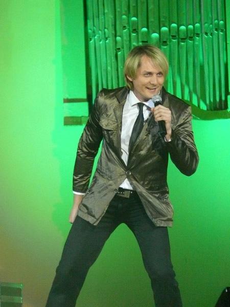Назар Савко остался в команде Олега Скрипки. Фото с личного сайта певца.