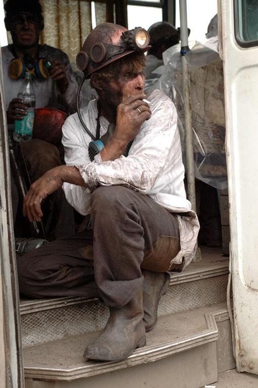 Горняков в нелегальные забои гонит возможность заработать. Фото Константина БУНОВСКОГО