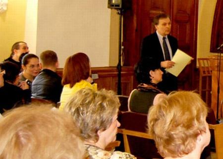 Влада - слева, в очках. Фото с сайта Национального Киево-Печерского историко-культурного заповедника
