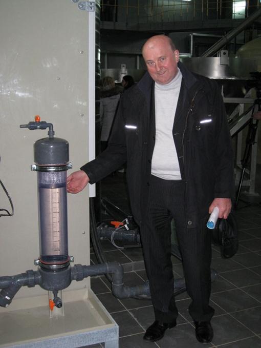Николай Одуха уверяет, что такую воду можно пить, даже не прокипятив.Фото автора.