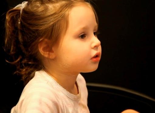Девочка уже ходит на папины концерты. Фото: пресс-служба певца.